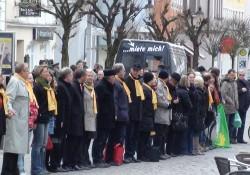 Menschenkette Günzburg am Marktplatz