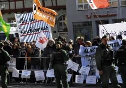 Massiver und sehr lauter Protest gegen die Nazis