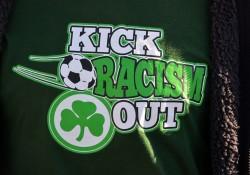 Fanshirt der Fürther Fußballszene gegen Rassismus