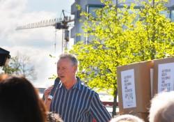Oberbürgermeister Dr. Thomas Jung (SPD) auf Seiten der Gegendemo