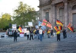 Pegida Nürnberg kurz nach Beginn der Veranstaltung