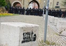 größere Polizeikräfte gab es meist nur dort, wo es Nazi-Gegner abzuhalten galt