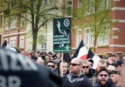 Nazi-Demonstration durch Saalfeld Polizei hielt sich zurück