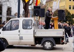 Die Bühne, am Steuer der NPD-Funktionär Frank Rohleder