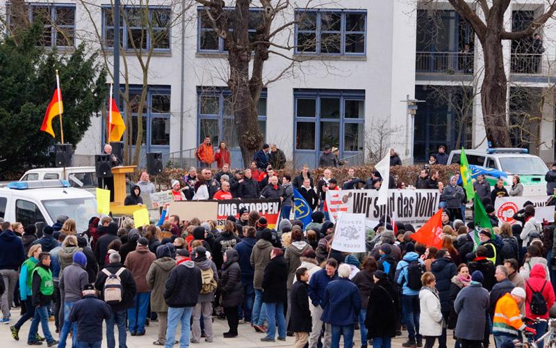 Im Verhältnis 1 zu 10 standen sich in Schweinfurt die beiden Lager gegenüber.