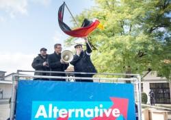 Bezirksvorsitzender Stephan Protschka bei AfD-Demo in Freilassing (Archiv)