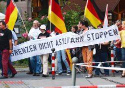 Pegida Nürnberg rettet sich mit 45 Anhängern n die Sommerpause