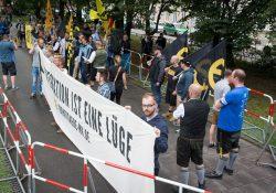Revolutionärer Akt oder doch nur Käfighaltung und Blockade eines Stück Bürgersteigs?