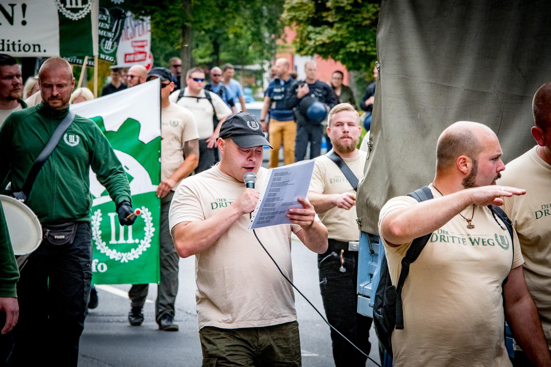 Fulda: Armlänge Abstand zwischen Neonazis und Demokraten ...